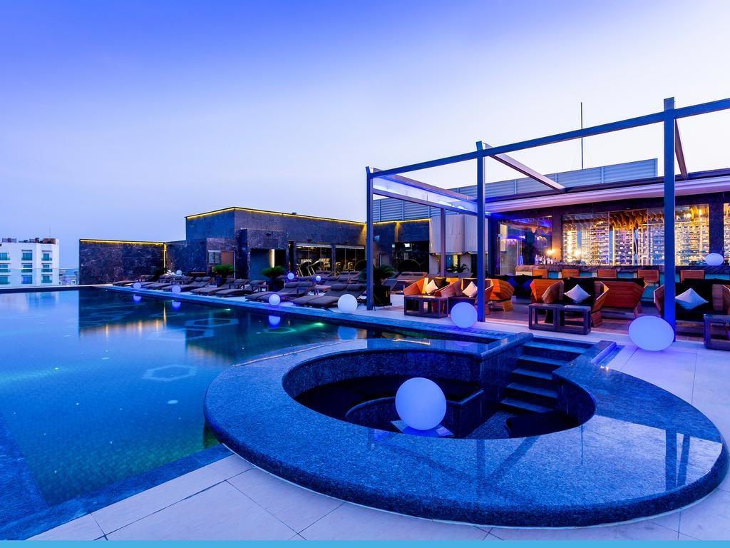 Get the celebrity treatment with world-class service at Centara Grand Phratamnak Pattaya