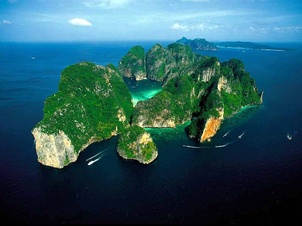 Phi Phi Island Tour By Royal Jet Cruiser